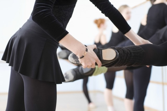 foot stretches for dancers